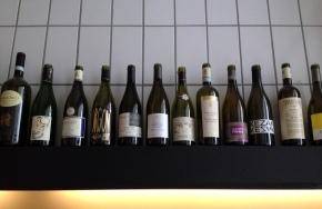 .@onfoodandwine is drinking wine at #Rubis in #Brussels
