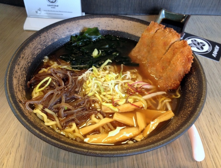 review of our quick #ramen lunch in #brussels at Samourai Ramen by @onfoodandwine