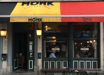 we try out #Brussels #beer bar Monk - review via @onfoodandwine